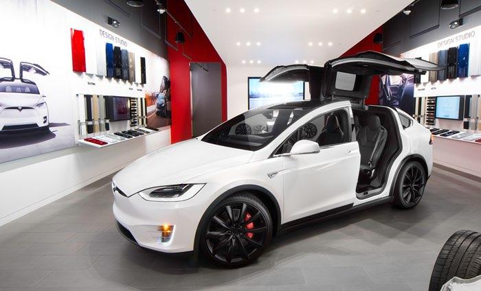 Tesla Model X jużod 85,000 dolarów